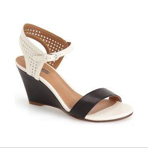 Halogen • Helen wedge sandal two tone black cream